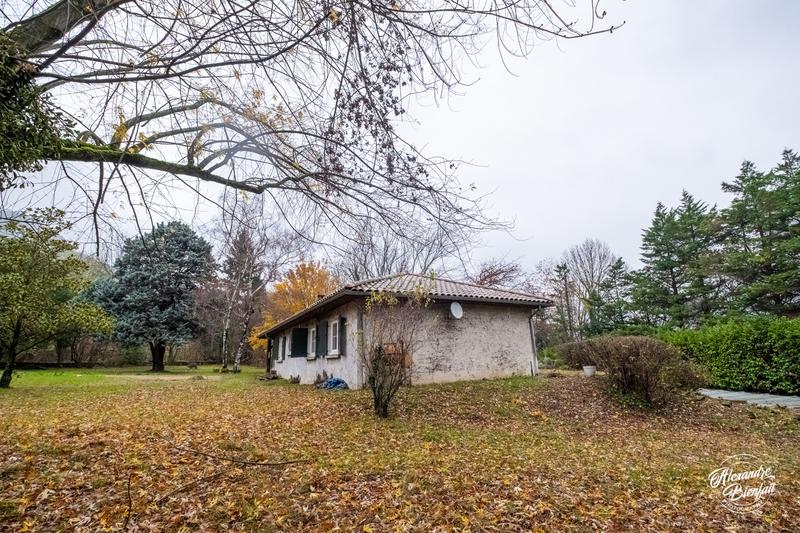 VEUREY - VOROIZE : Maison avec piscine sur terrain de 1642 m² Veurey-Voroize 38