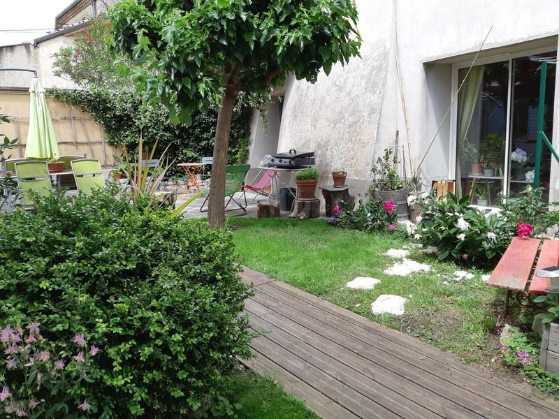 Cornas : Maison en pierres, T6 sur terrain 590 m². Cornas 07